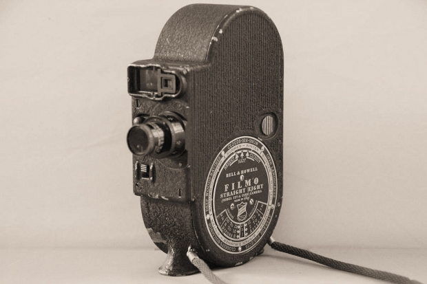 "BELL & HOWELL Filmo ""Straight Eight"""